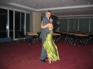 ernstpetra-beim-tanzchen